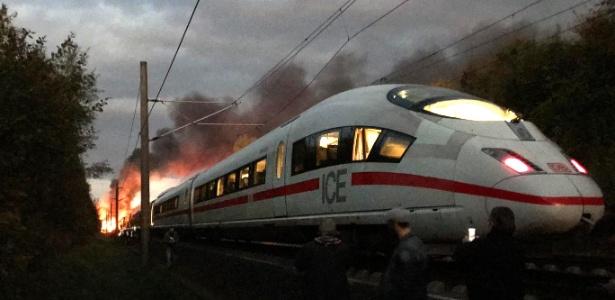 Trem pega fogo durante viagem entre Colônia a Munique, na Alemanha