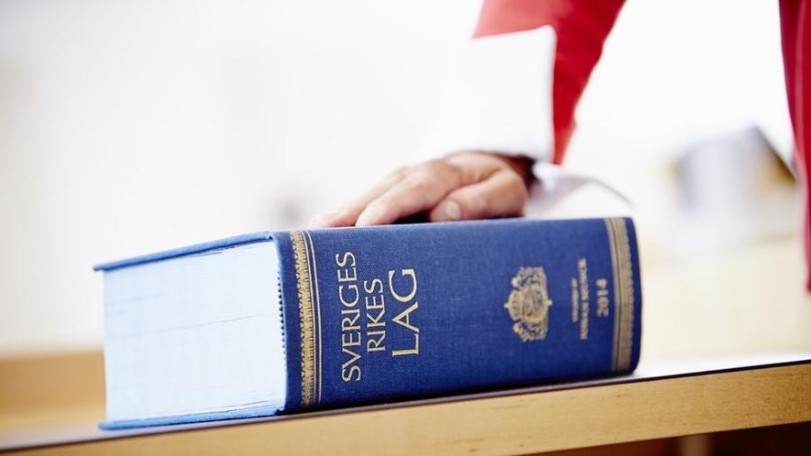 2.dez.2018 - Constituição sueca é seguida por juízes suecos, que têm vida modesta - Patrik Svedberg/Divulgação