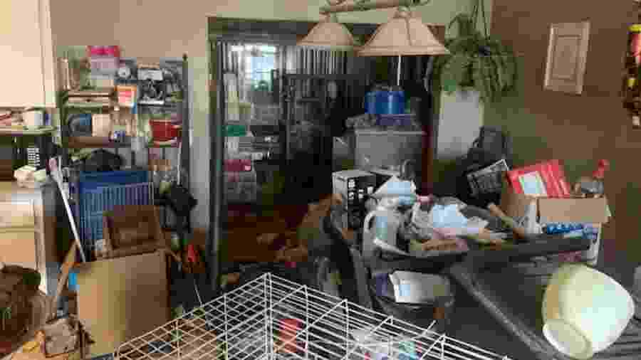 A casa onde a polícia de Edgewater (EUA) encontrou três crianças e 245 animais - Reprodução/Facebook