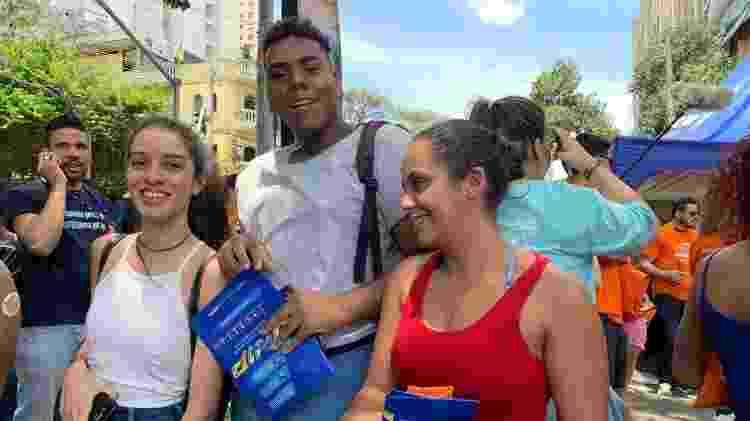 Helena, Lucas e a amiga Isabela se assustaram com relógios adiantados - Vitor Pamplona/Colaboração para o UOL