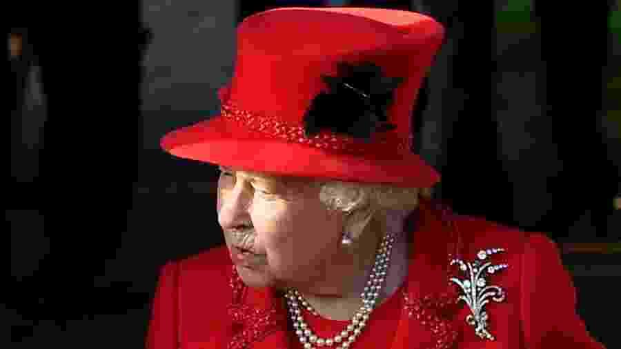 25.dez.2019 - A rainha Elizabeth II comparece a missa de celebração do Natal na Inglaterra - Ben Stansall/AFP