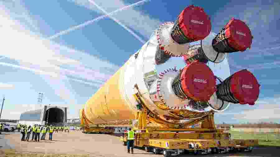 Primeiro parte do Space Launch System (Sistema de Lançamento Espacial) da missão Artemis - Nasa