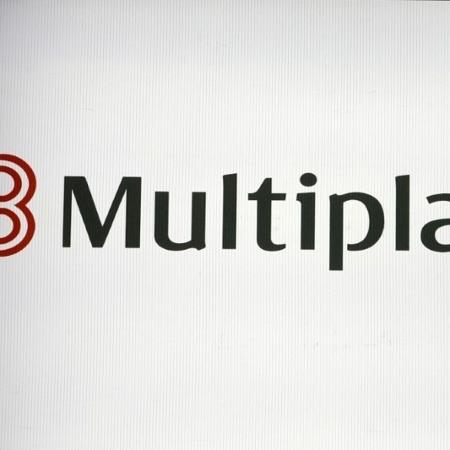Logo da Multiplan em painel na bolsa de valores de São Paulo - AMANDA PEROBELLI