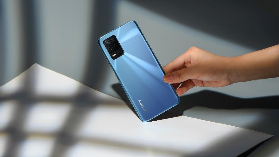 Realme 8 5G chega com câmera tripla e preço promocional de R$ 1.699 - Divulgação/Realme