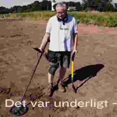 Tesouro encontrado por dinamarquês estava enterrado há 1.500 anos - Reprodução/TV2 - Reprodução/TV2