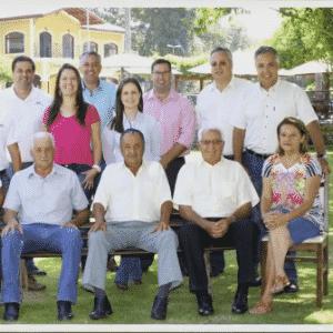 Duas gerações da família Góes, donos da Vinícola Goes, de São Roque - Divulgação