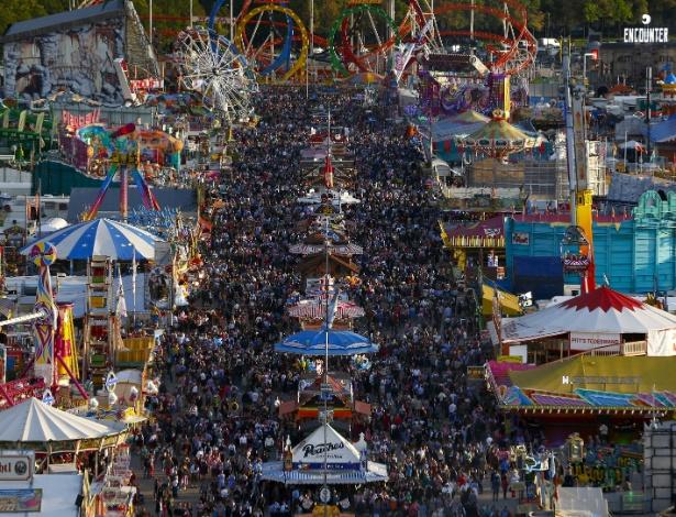 A abertura da Oktoberfest em Munique, na Alemanha, em setembro de 2015