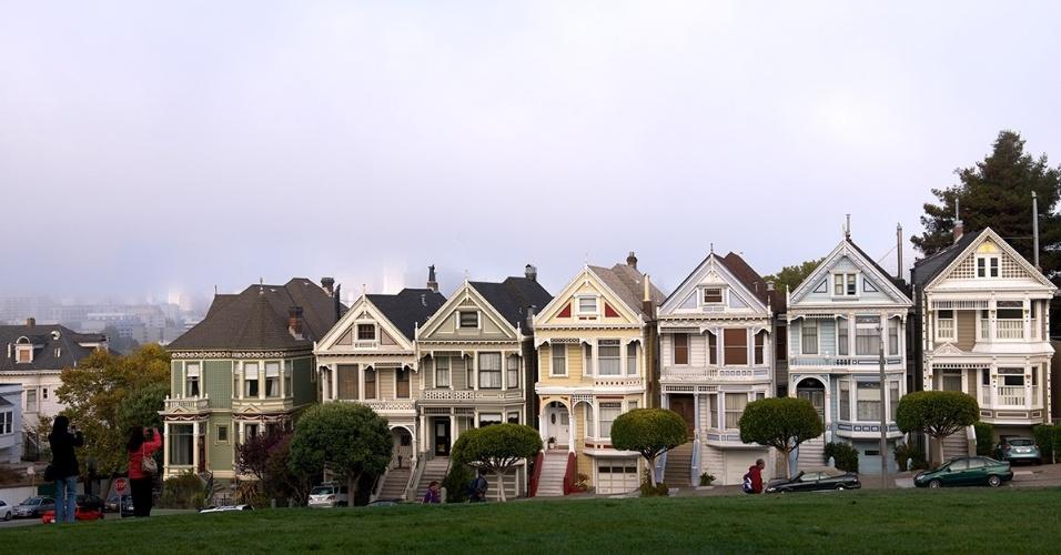 Casas vitorianas em São Francisco }(EUA). Chamadas de