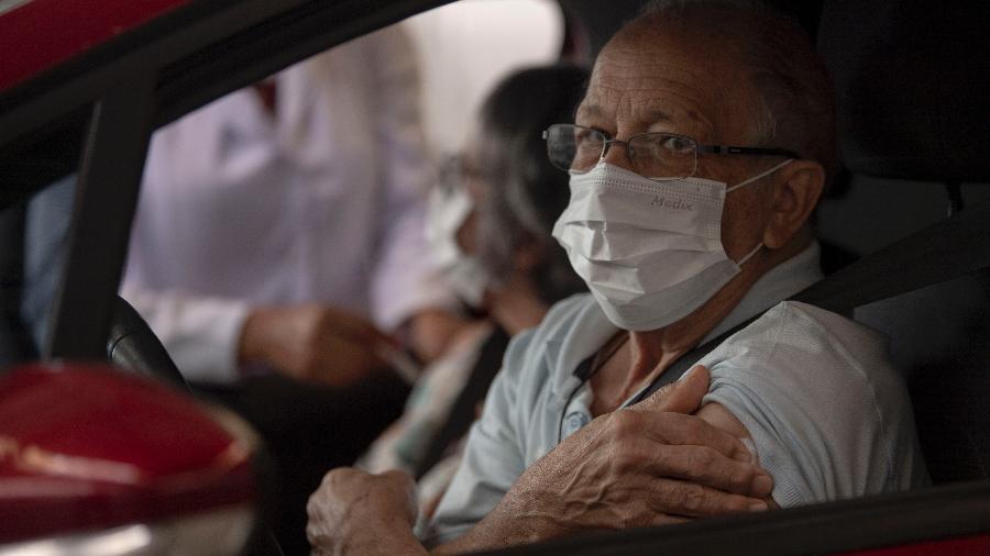 Mais de 4,5 milhões de brasileiros já foram vacinados contra a covid-19 - Mauro Pimentel/AFP