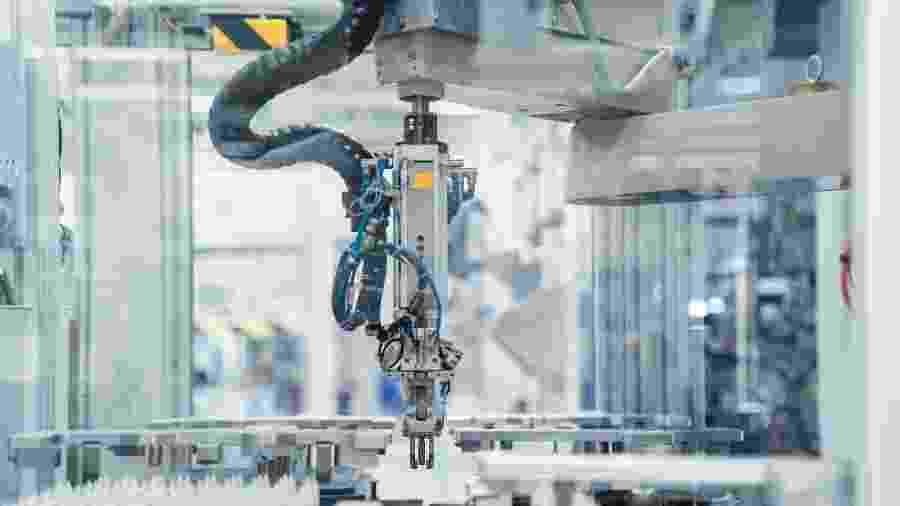 A indústria de transformação no Brasil, responsável por 97,6% dos empregos industriais do País, perdeu 203,2 ml postos de trabalho entre 2009 e 2018 - Getty Images / Westend61