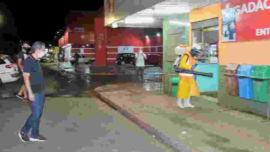 Prefeito de Campo Grande, Marquinhos Trad (PSD), acompanha desinfecção de ruas na cidade contra o coronavírus - Divulgação/Prefeitura de Campo Grande