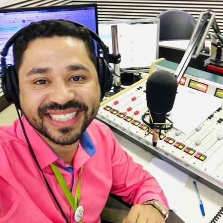 André Alves, de 39 anos, é radialista em Caçador - Arquivo Pessoal