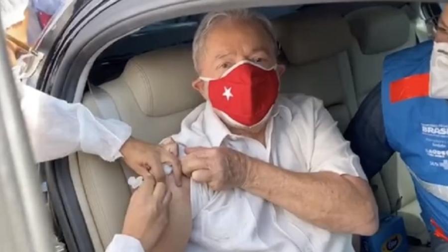 Lula recebeu segunda dose da vacina contra covid-19 no último final de semana. Ex-presidente foi o que mais vacinou segundo levantamento do site Poder 360 - Reprodução
