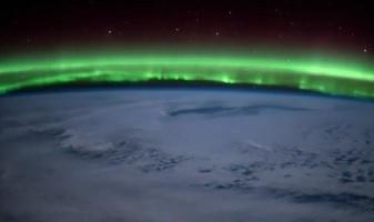 Aurora boreal é filmada do espaço pelo astronauta Tim Peake