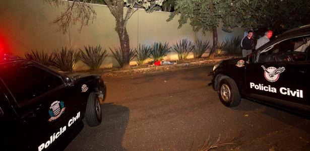 03.set.2017 - Confronto entre policiais civis e integrantes de uma quadrilha terminou com dez suspeitos mortos no Jardim Guedala, região do Morumbi, zona sul da capital