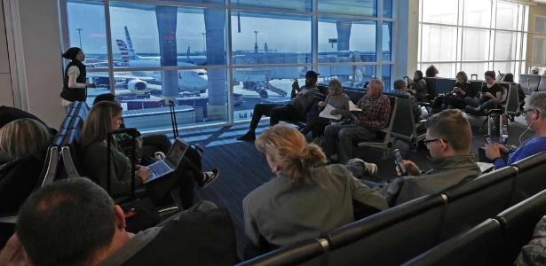'Vidro inteligente' no aeroporto internacional de Dallas-Fort Worth, nos EUA