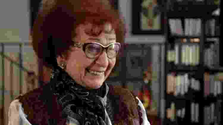 Natasha Rapoport ironiza circunstâncias da morte de Stálin - BBC - BBC
