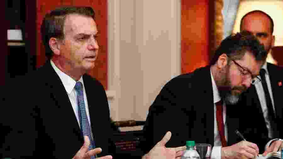 Presidente da República, Jair Bolsonaro acompanhado do Ministro das Relações Exteriores, Ernesto Araújo - Alan Santos/PR