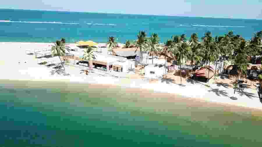 Praia do Gunga, em Roteiro (AL), totalmente vazia no fim de semana passada - Governo de Alagoas
