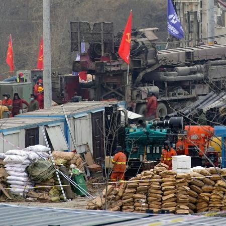 22.jan.2021 - Explosão em mina de ouro em Qixia bloqueou 22 mineiros a várias centenas de metros de profundidade - Aly Song/Reuters