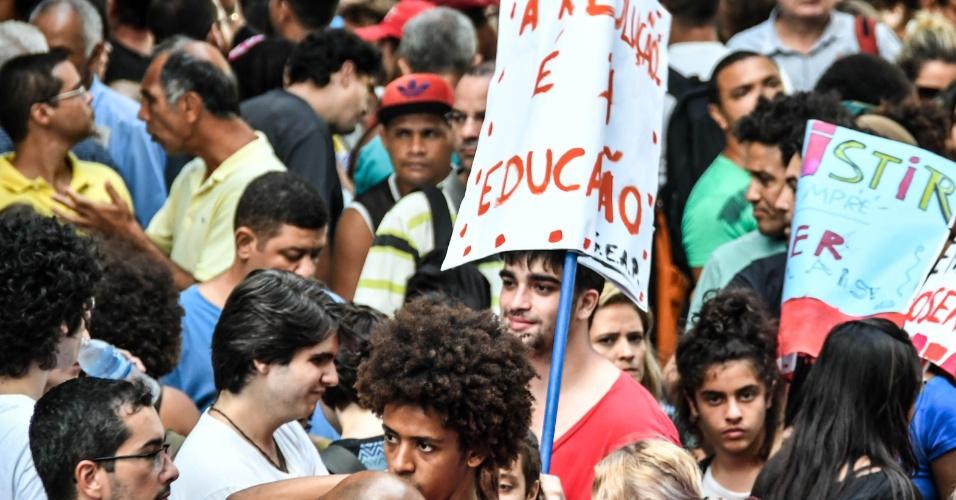 Estudantes participam de ato contra a reforma da Previdência convocado por professores no centro do Rio, em março de 2017