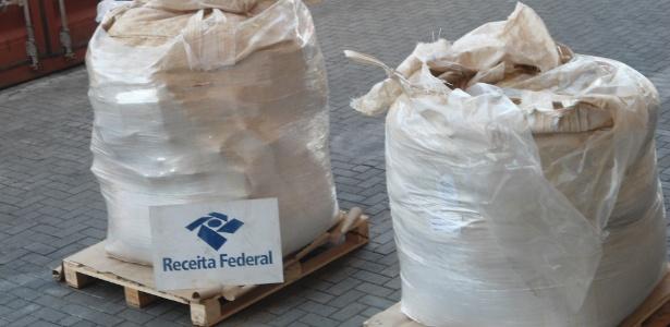 Receita Federal encontrOU mais de 1 tonelada de cocaína no Porto de Santos