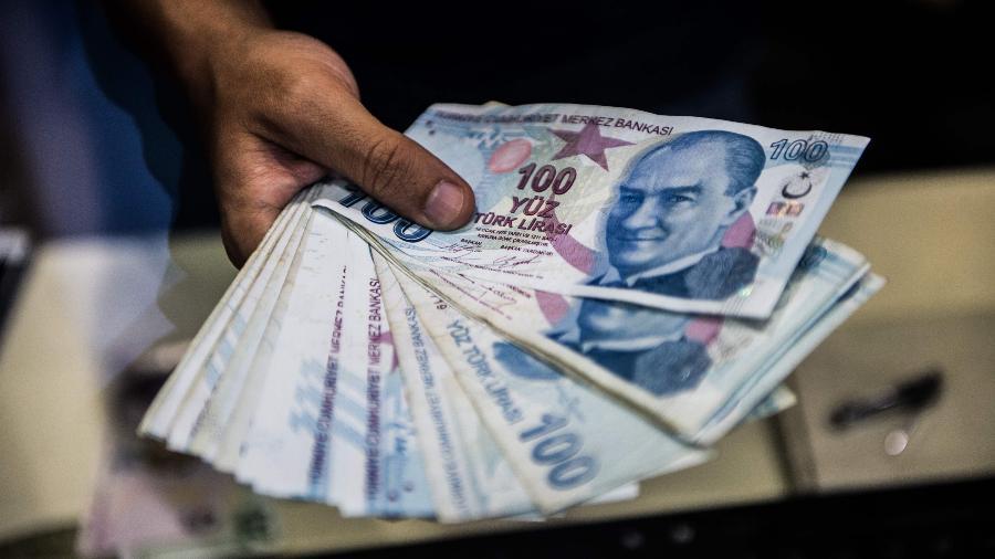 Lira turca despencou após a demissão do chefe do banco central do país - Yasin Akgul/AFP