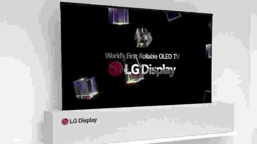 Tela da TV da LG enrola e desenrola - Reprodução/bloomberg