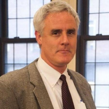 O prof. Peter Coleman estuda quais as condições para que conversas difíceis entre pessoas com opiniões opostas acabem bem - Divulgação