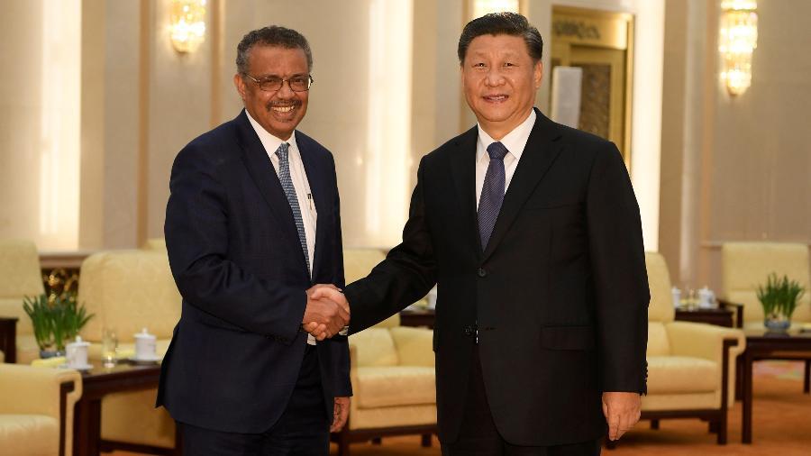 Presidente da China, Xi Jinping, e diretor-geral da OMS, Tedros Adhanom, em Pequim - POOL