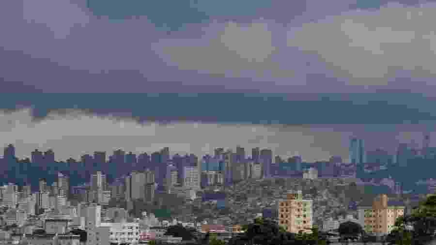 Céu carregado na capital mineira em 12 de fevereiro - Telmo Ferreira - 12.fev.2020/Estadão Conteúdo