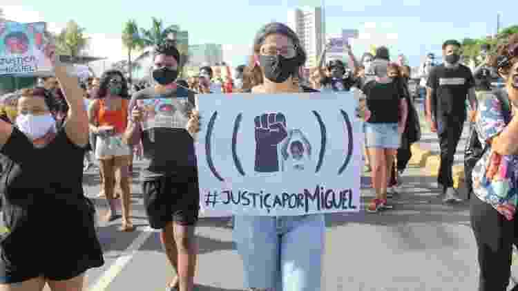 Manifestantes protestam contra a morte do pequeno Miguel no Recife (PE) - Pedro de Paula/Estadão Conteúdo - Pedro de Paula/Estadão Conteúdo