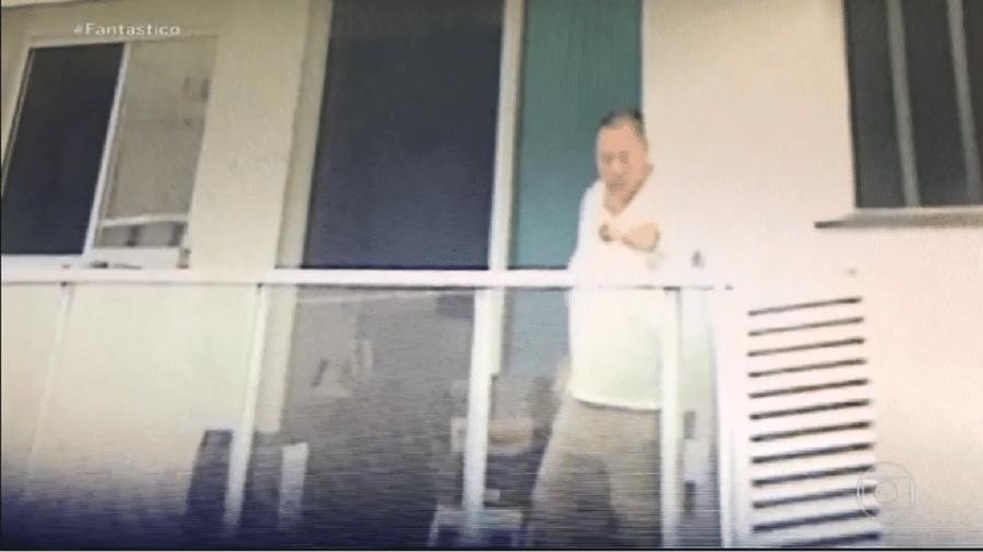 Câmera flagra Jin Ho Chang ameaçando outros moradores no condomínio - Reprodução