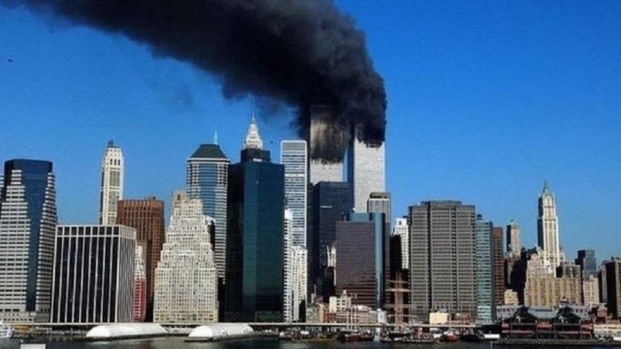 Dois aviões de passageiros Boeing 767 atingiram as torres do WTC, em Nova York - GETTY IMAGES