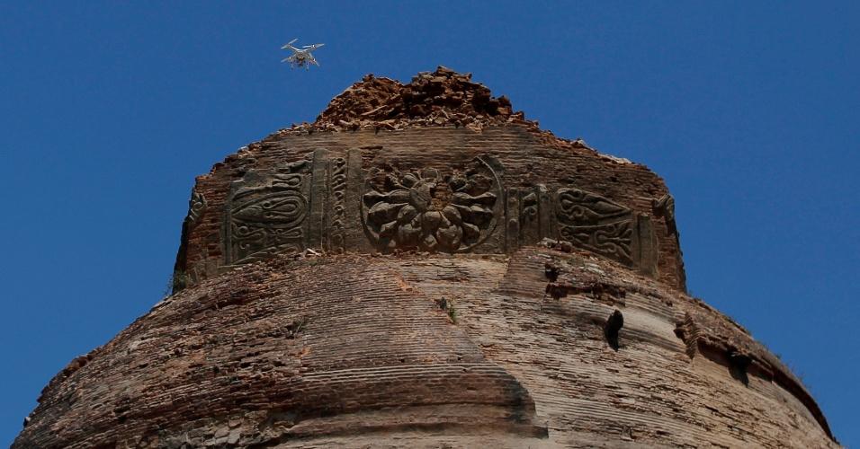 25.ago.2016 - Topo de templo foi parcialmente destruído em sítio arqueológico de Bagan, em Mianmar. Um terremoto de magnitude 6,8 na escala Richter atingiu o país e danificou quase 100 templos centenários da região