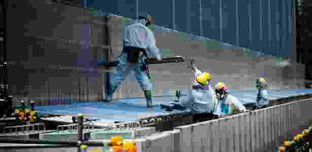 8.jun.2016 - Homens trabalham na usina nuclear de Fukushima Daiichi, no Japão - Ko Sasaki/The New York Times - Ko Sasaki/The New York Times