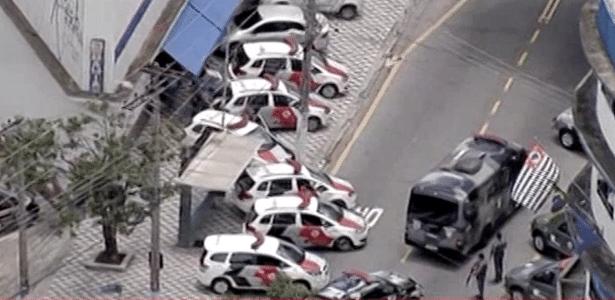 Assaltante faz reféns em loja da Casas Bahia na zona norte de São Paulo - Reprodução/BandNews TV