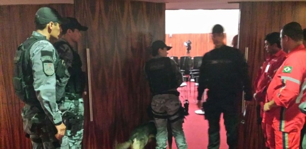 Policiais do Bope fazem varredura preventiva nos auditórios do TSE