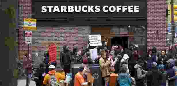 Loja na Filadélfia (EUA) virou alvo de protestos - Mark Makela/Getty Images/AFP