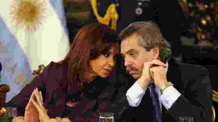 Cristina Kirchner conversa com Alberto Fernández durante reunião na Casa Rosada, em Buenos Aires - Cézaro de Luca/Efe