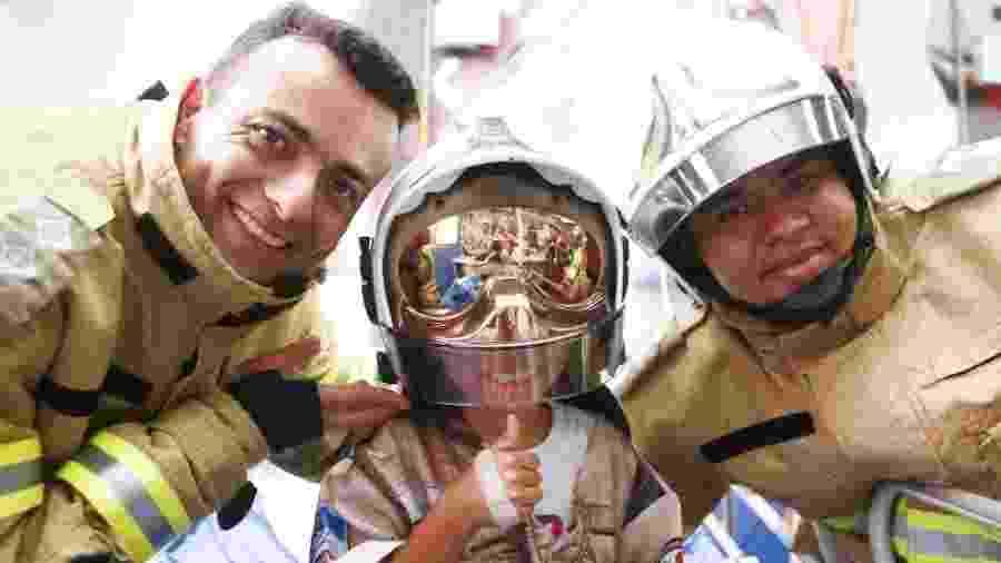 Crianças internadas no Hemorio têm um dia de herói com bombeiros - Mauricio Bazilio / SES / divulgação