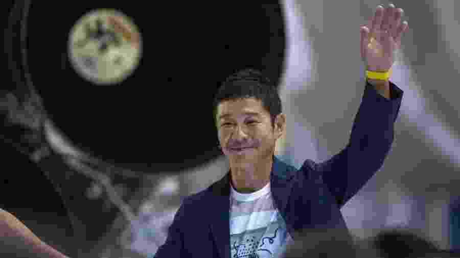 Maezawa disse ainda que vai convidar até oito artistas para se juntar a ele no espaço - Getty Images