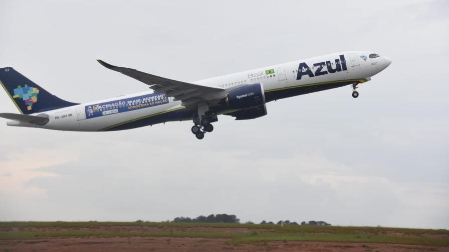 Avião da Azul que trará vacina de Oxford da Índia decola do Aeroporto de Viracopos, em Campinas, rumo ao Recife - Divulgação