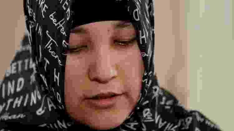 Em uma pesquisa online em 2018, Kalbinur encontrou um vídeo de sua filha - BBC - BBC