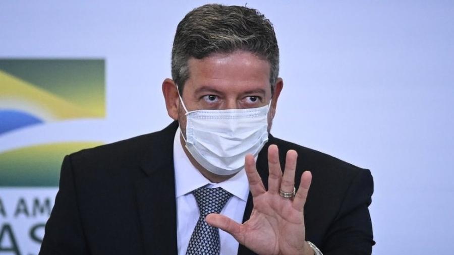 Arthur Lira, presidente da Câmara, a quem cabe dar o primeiro passo num eventual processo de impeachment. Bolsonaro está tentando enganar até o centrão... - Getty Images