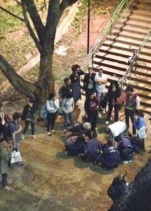 Equipe socorre estudante baleado na Faculdade de Letras na USP (Universidade de São Paulo) - Vinicius Ferreira
