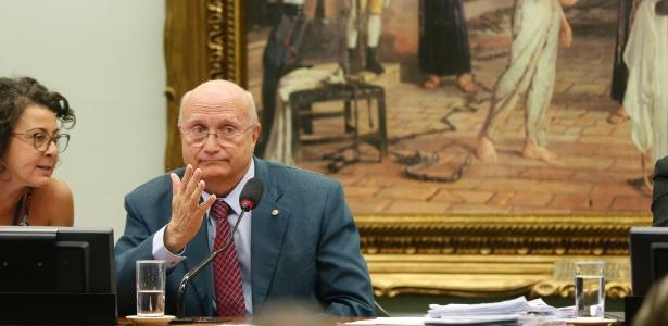 Osmar Serraglio (PMDB-PR) participa da sessão CCJ sobre Eduardo Cunha, em julho de 2016