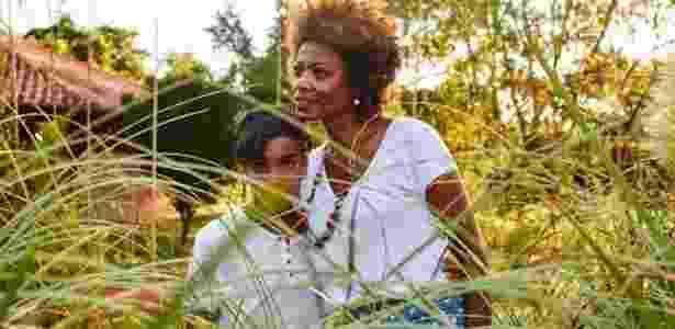 """Noemia e o filho Noan: """"precisamos continuar denunciando o racismo"""" - Anderson Benjamim - Anderson Benjamim"""