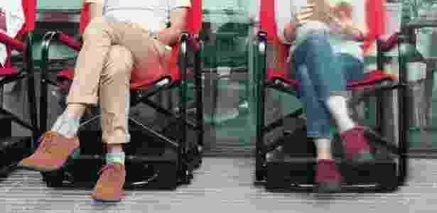 Cadeira tem sensores e câmeras que monitoram posição dos vizinhos e avança sozinha - Divulgação