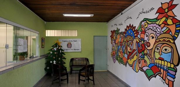 Mural criado pela artista chilena Verónica Ytier na escola municipal de ensino fundamental Infante Dom Henrique, no Canindé, na região central de São Paulo